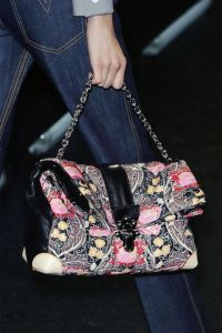 549a17dcaca75_-_ends-2014-accessories-florals-05-vuitton-clp-a-rs15-7539-lg